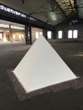 <h5>Pyramide Tabita Rezaire</h5><p>für die Installation von Tabita Rezaire, Ultra Wet - Rekapitulation</p>